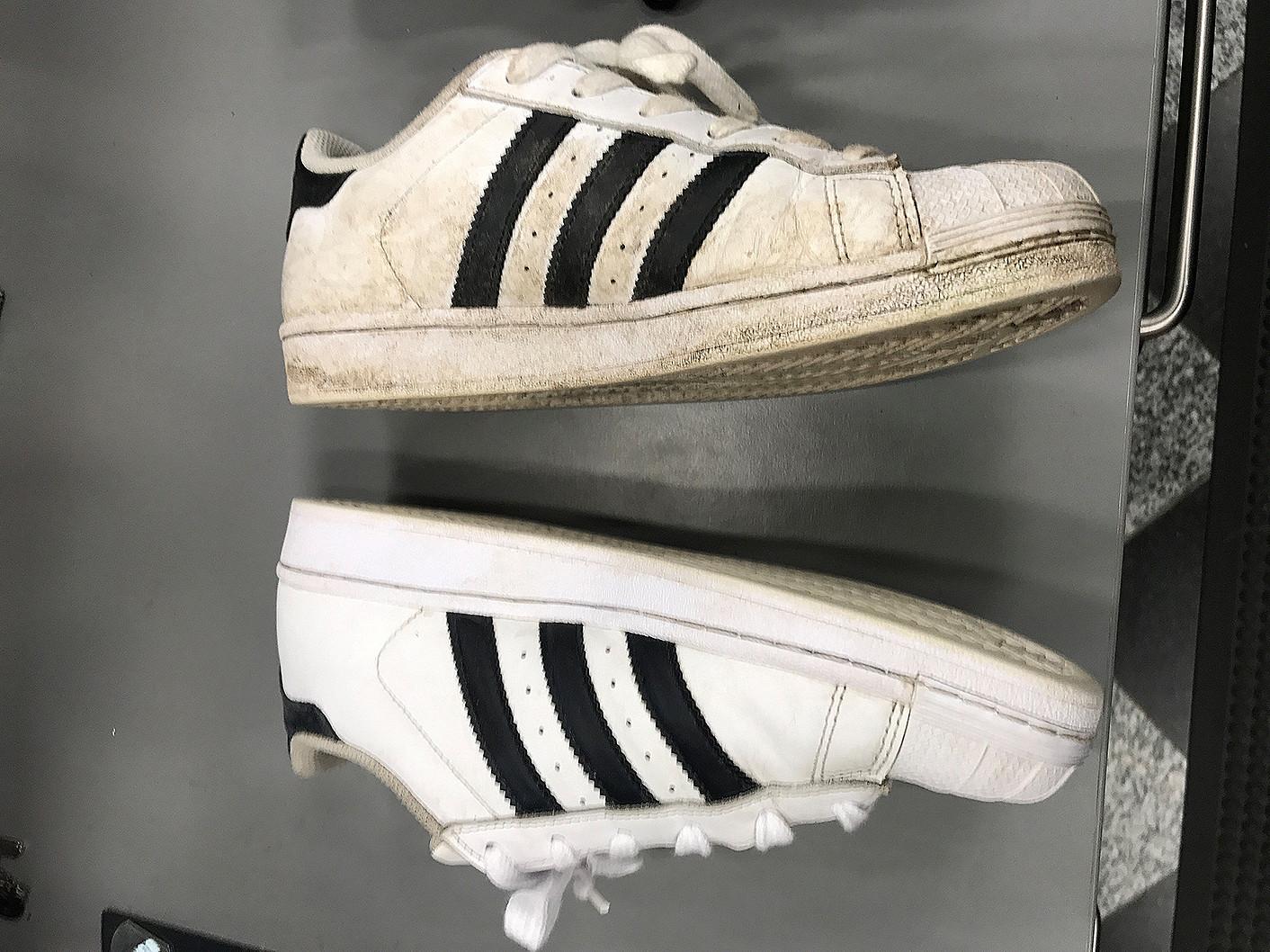 sneakers2-gallery