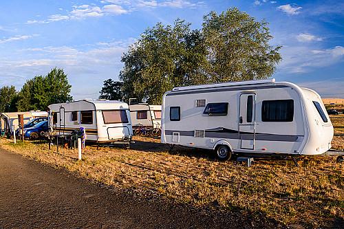 Overnatning-camping-plads-banner