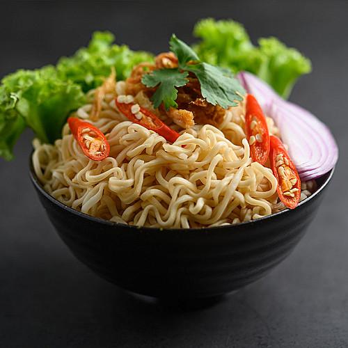 Restaurant-asiatisk-nudler-i-skål-logo