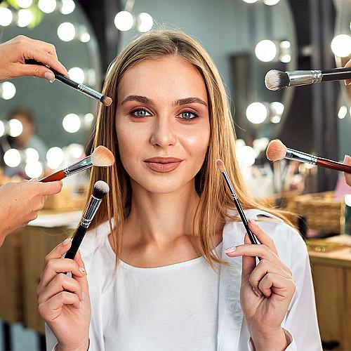 Hudpleje-kvinde-med-make-up-logo