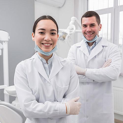 Tandlæge-to-tandlæger-portræt-logo