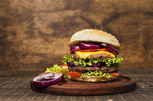 rsz_close-up-burger-with-stone-background