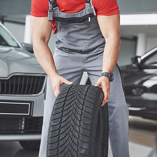 Biler-mekaniker-ruller-bilhjul-logo